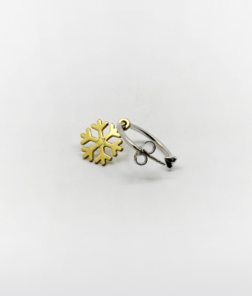 Hoop Earring With Sweet Snowflake | Rossella Catapano Jewelery Designer